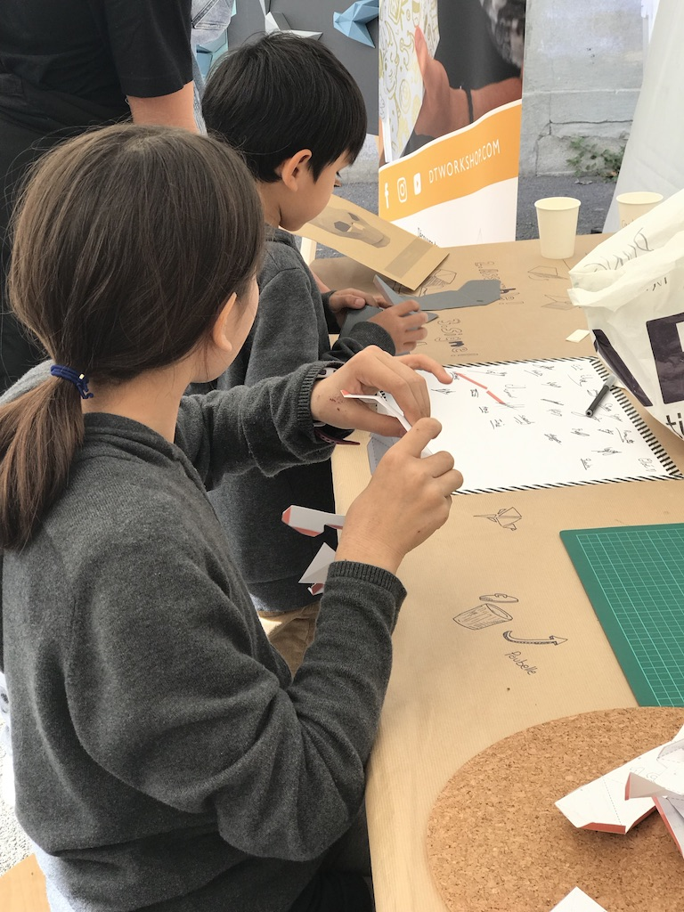 Papercraft Origami Decoration Paper Papier Fresque Fresco Bird Oiseau La Forge Fontenay Workshop Hand Made Child