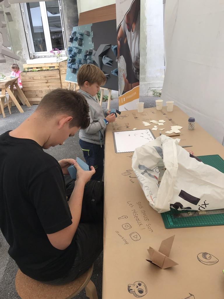 Papercraft Origami Decoration Paper Papier Fresque Fresco Bird Oiseau La Forge Fontenay Workshop Middle